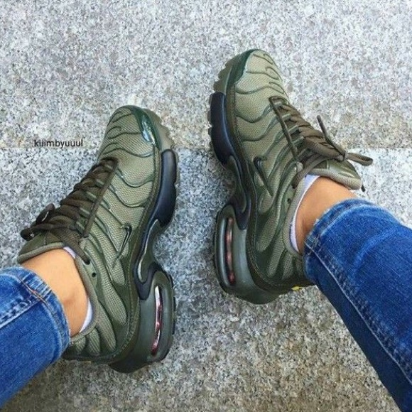 new arrivals de7dc 4df0e Olive cargo Air max plus (7y). M 5ad24be76bf5a63e6d65d289